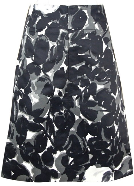 Preload https://item3.tradesy.com/images/marni-black-grey-white-flower-print-dress-zipper-cotton-blend-38-knee-length-skirt-size-4-s-27-10546612-0-1.jpg?width=400&height=650