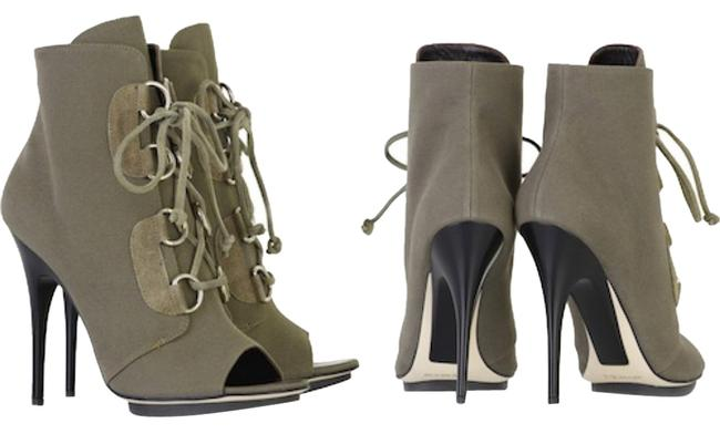 Item - Military Green Boots/Booties Size US 7 Regular (M, B)