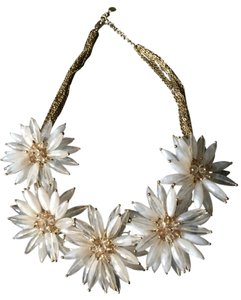 Talbots Flower Necklace - Beautiful!