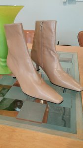 Stuart Weitzman Leather Upper Lining . Boots