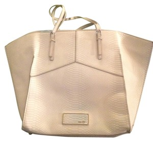 Nine West Tote in off white