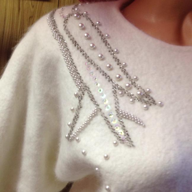 Diapopy planning by TokyoK.M.T Cashmere 1980's 80's 60's Peep Hole Button 50's 3'4 Length Sleeve Sequin Rhinestone Crystal Sparkly Ivory Soft Creme Sweater Image 2