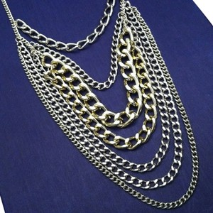 Long layered chain necklace gold.