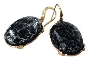 Grey Oval-Shaped Multi-Gold Dangle Earrings Grey Oval-Shaped Multi-Gold Dangle Earrings