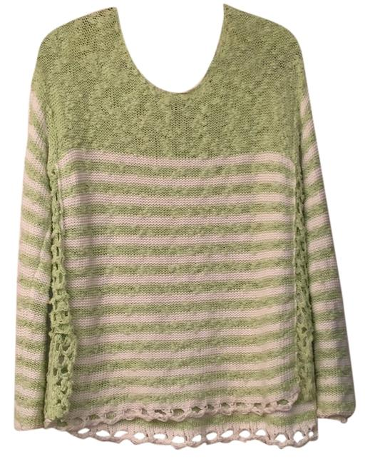 Preload https://img-static.tradesy.com/item/10553659/free-people-greenwhite-sweaterpullover-size-8-m-0-1-650-650.jpg