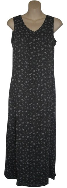 Preload https://img-static.tradesy.com/item/1055438/old-navy-dark-gray-floral-long-casual-maxi-dress-size-2-xs-0-0-650-650.jpg