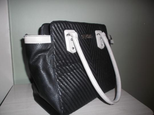 Kenneth Cole Reaction Tote in Black/Ivory
