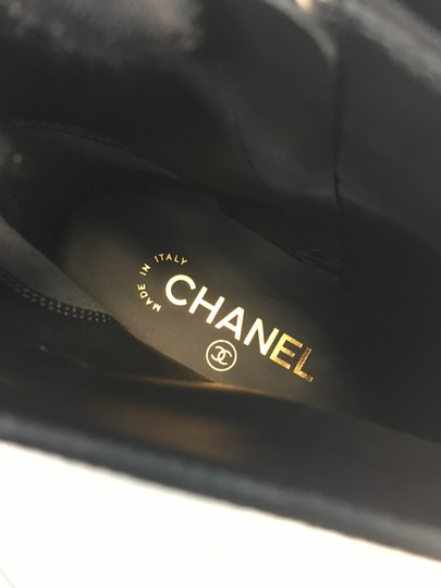 Chanel Pearl Suede Classics Black Boots Image 6