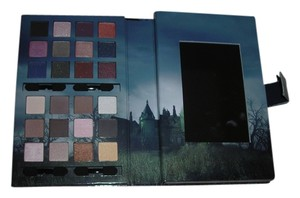 NYX Cosmetics NYX Makeup set - The crimson Amulet inspired by Dark Shadows makeup set limited edition