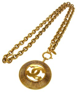 Chanel AUTHENTIC CHANEL VINTAGE CC LOGOS JUMBO MEDALLION GOLD CHAIN NECKLACE BT06481