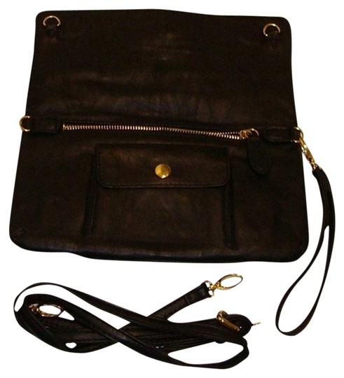 Preload https://img-static.tradesy.com/item/1056868/new-clutch-that-converts-to-black-manmade-cross-body-bag-0-0-540-540.jpg