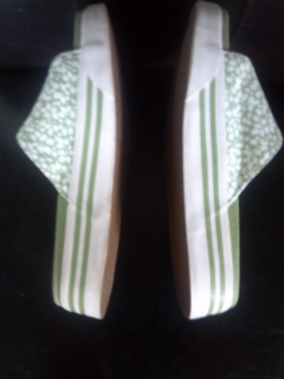 Bass green and white Flats
