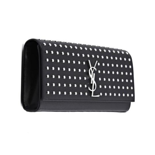 Preload https://img-static.tradesy.com/item/10570282/saint-laurent-cassandre-monogram-grain-de-poudre-spike-studded-black-leather-clutch-0-3-540-540.jpg