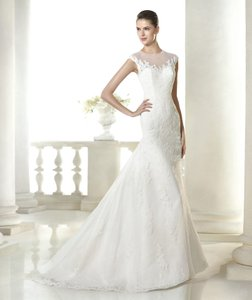 Pronovias Off White Lace Soraya Destination Wedding Dress Size 10 (M)