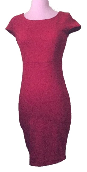 Preload https://img-static.tradesy.com/item/10570732/forever-21-red-body-con-above-knee-short-casual-dress-size-4-s-0-1-650-650.jpg