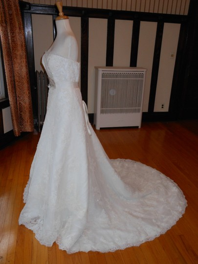 Pronovias Off White Lace Jaleah Destination Wedding Dress Size 10 (M)