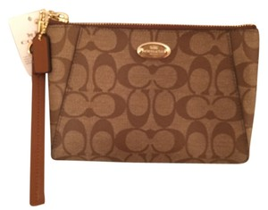 Coach Leather New Nwt Signature Wristlet in Brown Tan