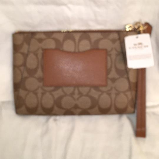 Coach Purse Handbag Wristlet Signature Leather Brown Beige Clutch