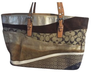 Coach Tote in Gold, Brown