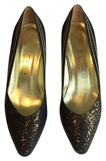 Preload https://item2.tradesy.com/images/brown-suede-and-gold-metallic-pumps-size-us-7-regular-m-b-10571536-0-1.jpg?width=440&height=440