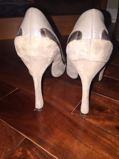 Adrianna Papell Grey Pumps Image 3