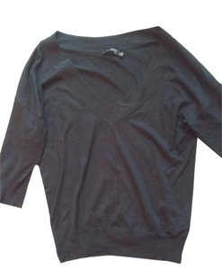 Preload https://item1.tradesy.com/images/the-limited-black-sweaterpullover-size-10-m-10574695-0-1.jpg?width=400&height=650