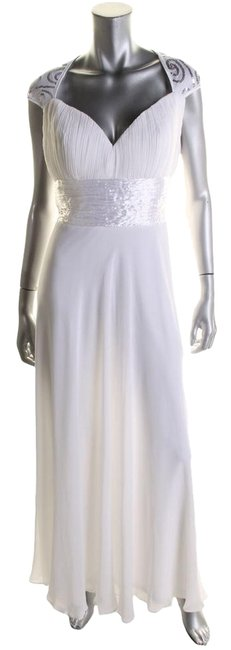 Item - White Style Number: He09672 Long Formal Dress Size Petite 12 (L)