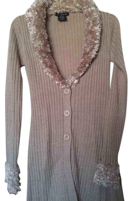 Preload https://img-static.tradesy.com/item/10575838/ivory-pre-owned-52-weekend-faux-sweater-cardigan-size-4-s-0-1-650-650.jpg