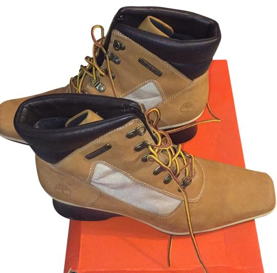 Preload https://item1.tradesy.com/images/timberland-tan-ankle-bootsbooties-size-us-8-regular-m-b-10576210-0-1.jpg?width=440&height=440