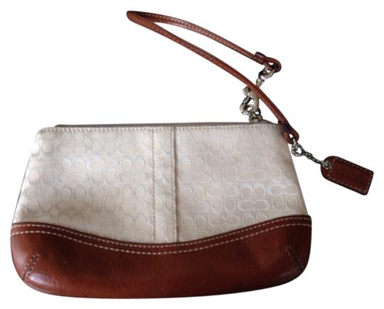 Preload https://img-static.tradesy.com/item/10577032/coach-cream-wristlet-0-1-540-540.jpg