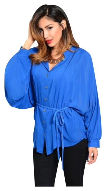 Preload https://item2.tradesy.com/images/blue-woven-material-dolman-cuffs-blouse-size-10-m-10577056-0-1.jpg?width=400&height=650