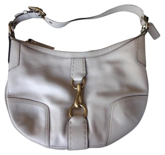Preload https://img-static.tradesy.com/item/10577245/coach-white-leather-hobo-bag-0-3-540-540.jpg