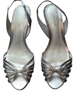 Ann Taylor Bronze metallic Pumps