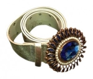 Silver leather belt with statement buckle