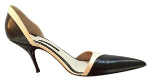 Giorgio Armani Black and ivory Pumps
