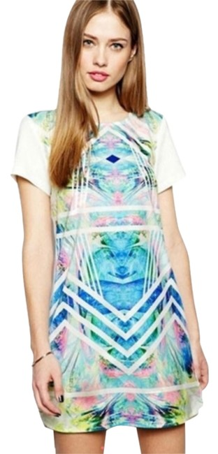 Preload https://item1.tradesy.com/images/oasap-white-multi-above-knee-short-casual-dress-size-10-m-10581880-0-1.jpg?width=400&height=650