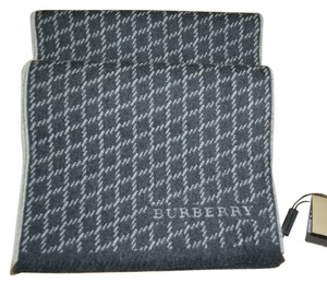 Burberry NWT BURBERRY UNISEX JACQUARD 100% CASHMERE SCARF WRAP MADE IN ITALY