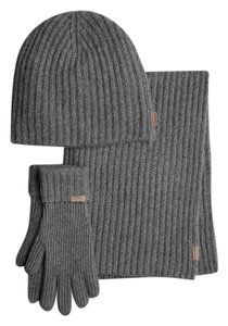 Burberry NWT BURBERRY $995 100% CASHMERE SCARF HAT GLOVES SET IN POUCH