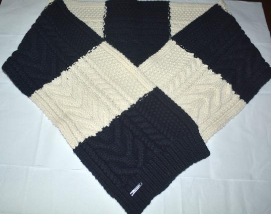 Burberry NWT BURBERRY $550 ARAN UNISEX CASHMERE WOOL KNITTED SCARF WRAP