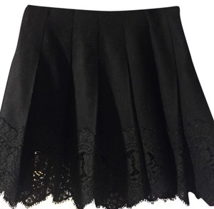 Burberry London Mini Skirt Black, Burberry trim inside