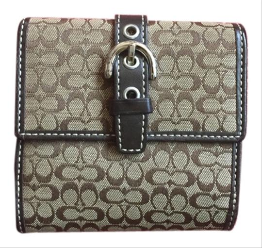 Preload https://item5.tradesy.com/images/coach-brown-signature-jacquard-wallet-10584094-0-1.jpg?width=440&height=440