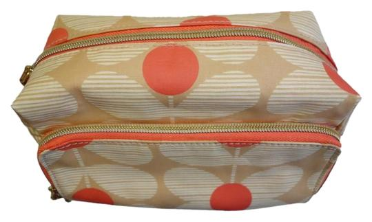 Preload https://item5.tradesy.com/images/orla-kiely-daisy-stem-print-medium-wash-beige-and-orange-cotton-polyester-weekendtravel-bag-10584649-0-2.jpg?width=440&height=440