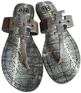 cf3e4a70e6f1e2 Tory Burch Flip Flops - Up to 70% off at Tradesy