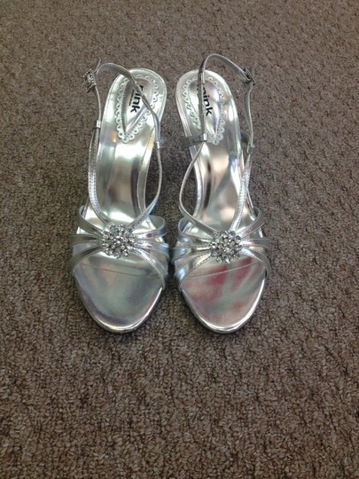 Paradox London Pink Silver Pumps Size US 8