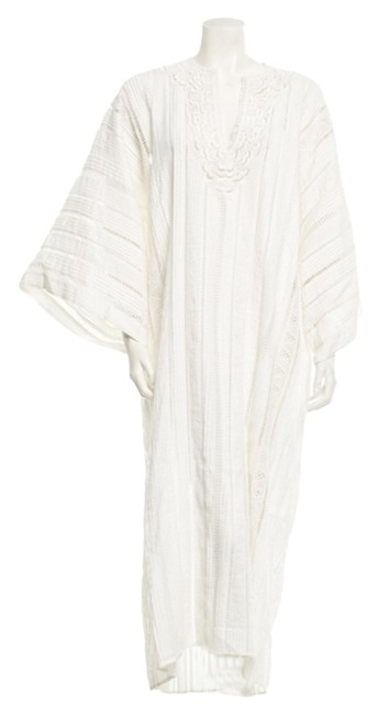 Preload https://img-static.tradesy.com/item/10592251/oscar-de-la-renta-white-beach-kaftan-eyelet-beach-tunic-long-short-casual-dress-size-6-s-0-1-650-650.jpg