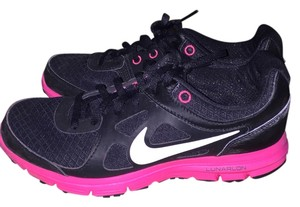 Nike Lightweight Cushioned Black Athletic