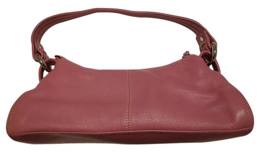 Preload https://img-static.tradesy.com/item/10592785/kenneth-cole-reaction-step-aside-top-zip-small-pink-leather-hobo-bag-0-1-540-540.jpg