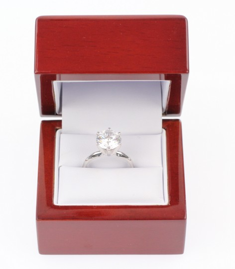Sofia Corleone-NEVER BEEN WORN Solitaire Cubic Zirconia Ring