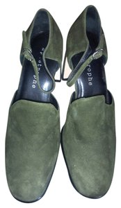 Apostrophe Moss Green Pumps