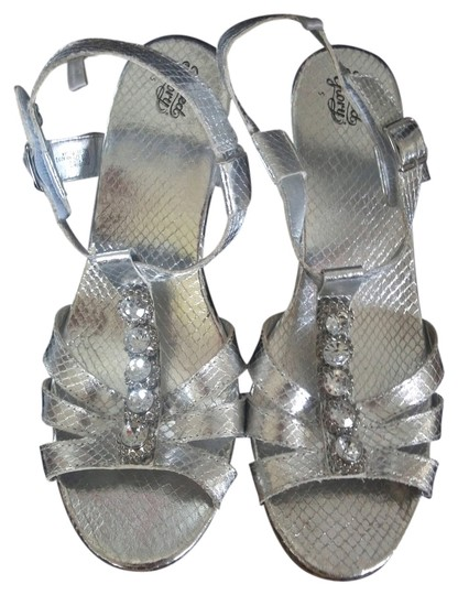 Preload https://item1.tradesy.com/images/faded-glory-silver-fancy-wedges-size-us-5-regular-m-b-10597120-0-2.jpg?width=440&height=440
